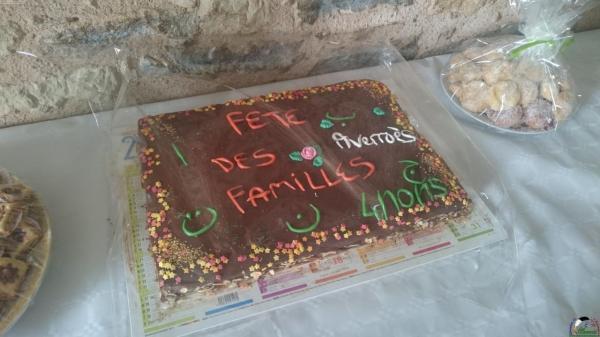 Merci Leyla pour le gâteau dédicacé : un exemplaire unique !