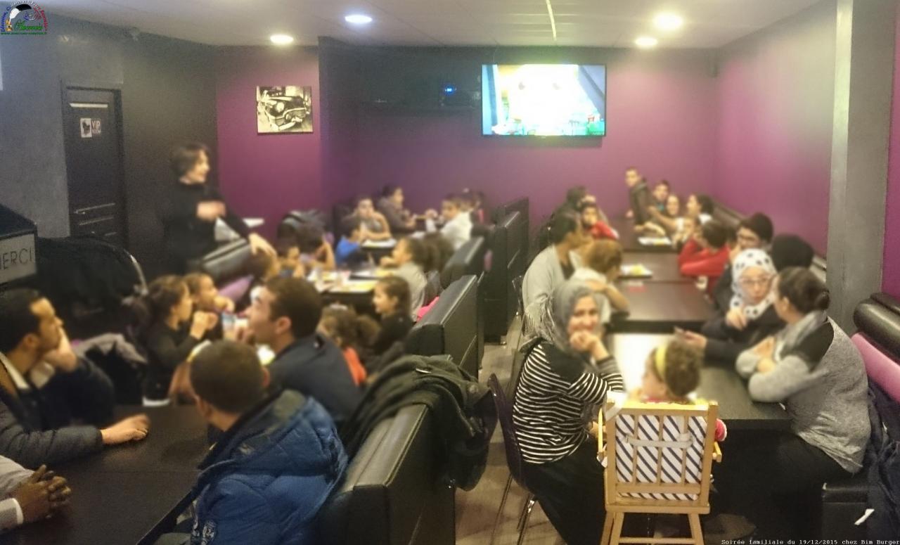 60 personnes au total profitent du repas offert par l'association