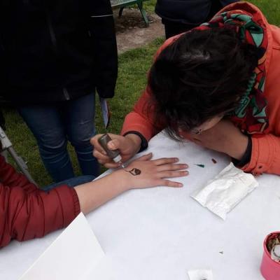 Tatouage au hénné signé Leïla