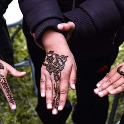Tatouages au hénné signés Leïla